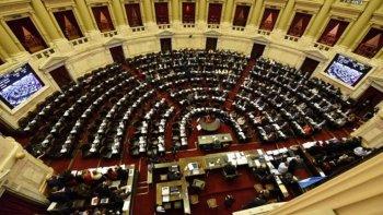 El gobierno envía al Congreso su primer paquete de leyes