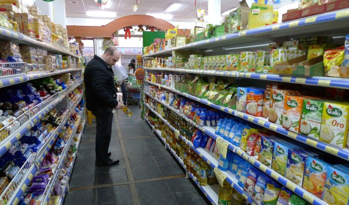 Macri anunció la suspensión del IVA en alimentos básicos pero hay dudas de su implementación