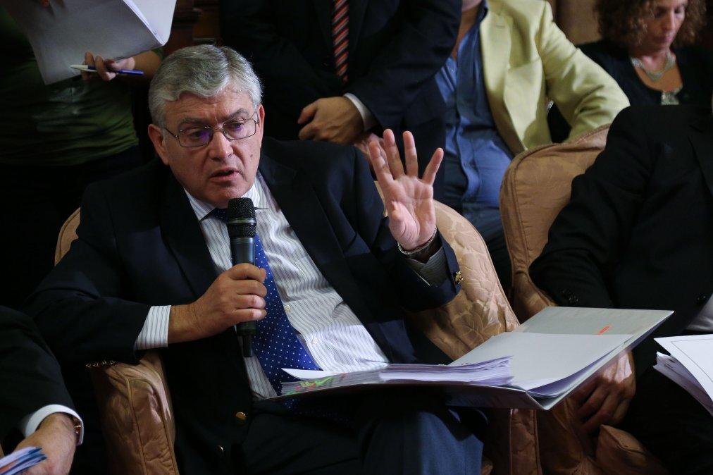 Pais también reclamó al estado nacional por la falta de vacunas en Chubut