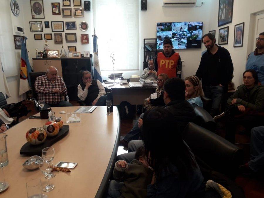 Linares está reunido con  la Mesa de Unidad