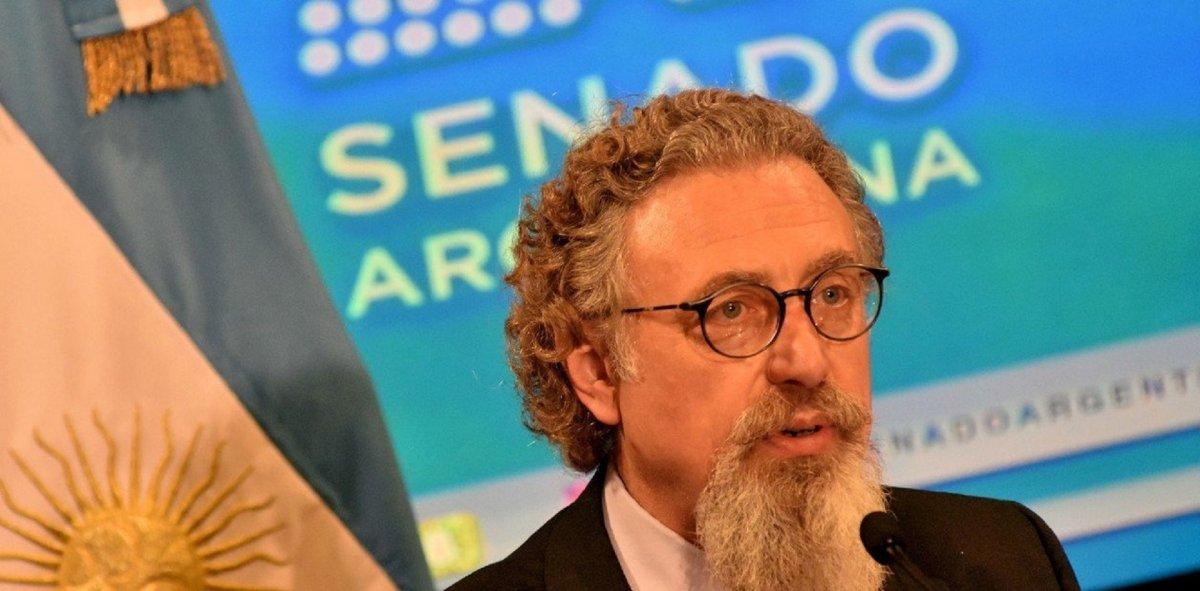 Luenzo: La minería no es negocio ni económico ni ambiental