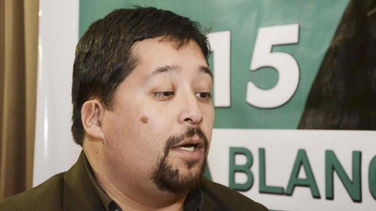 Denunciaron a Fernando Vivas por facilitar la usurpación de terrenos