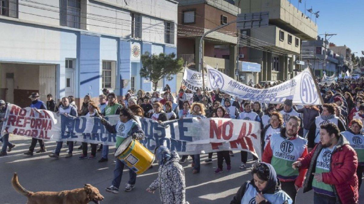Cámaras Empresarias apoyan a Arcioni y piden la vuelta a las aulas