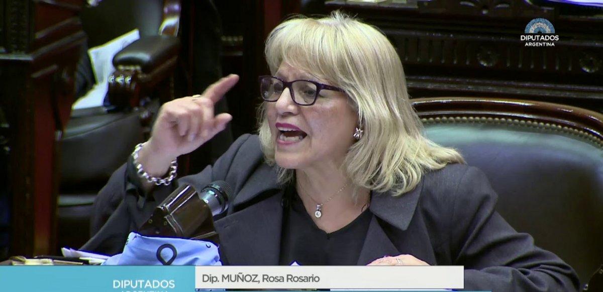 Rosa Muñoz cree que Béliz se bajó de la candidatura por un apriete político