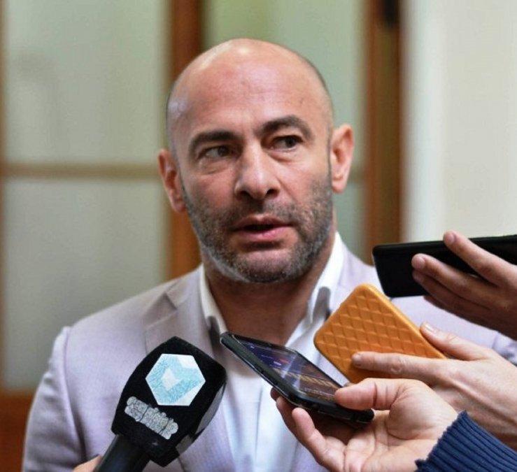 El Gobierno Provincial dio de baja las licencias gremiales