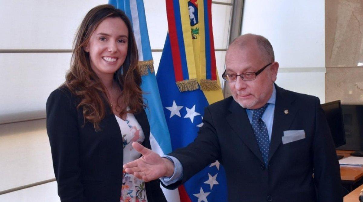 El gobierno reconoce como embajadora a la representante de Guaidó
