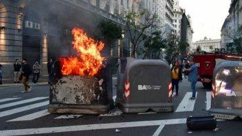 Incidentes en el consulado de Chile en Buenos Aires