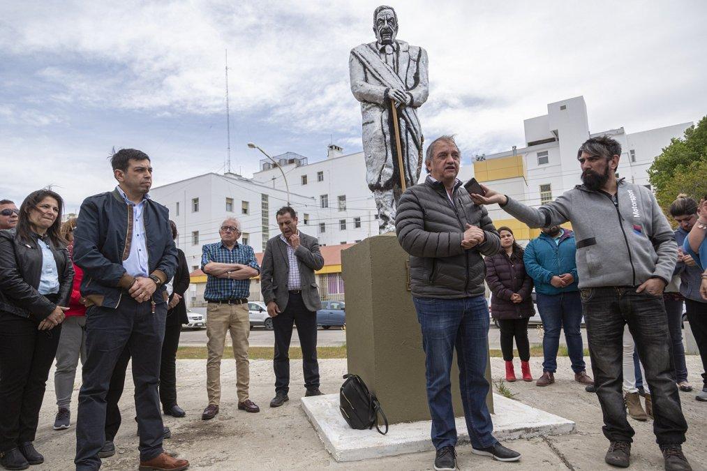 Linares encabezó el acto por el Día de la Democracia