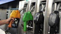 altText(YPF aumentará un 5% el precio de los combustibles)}