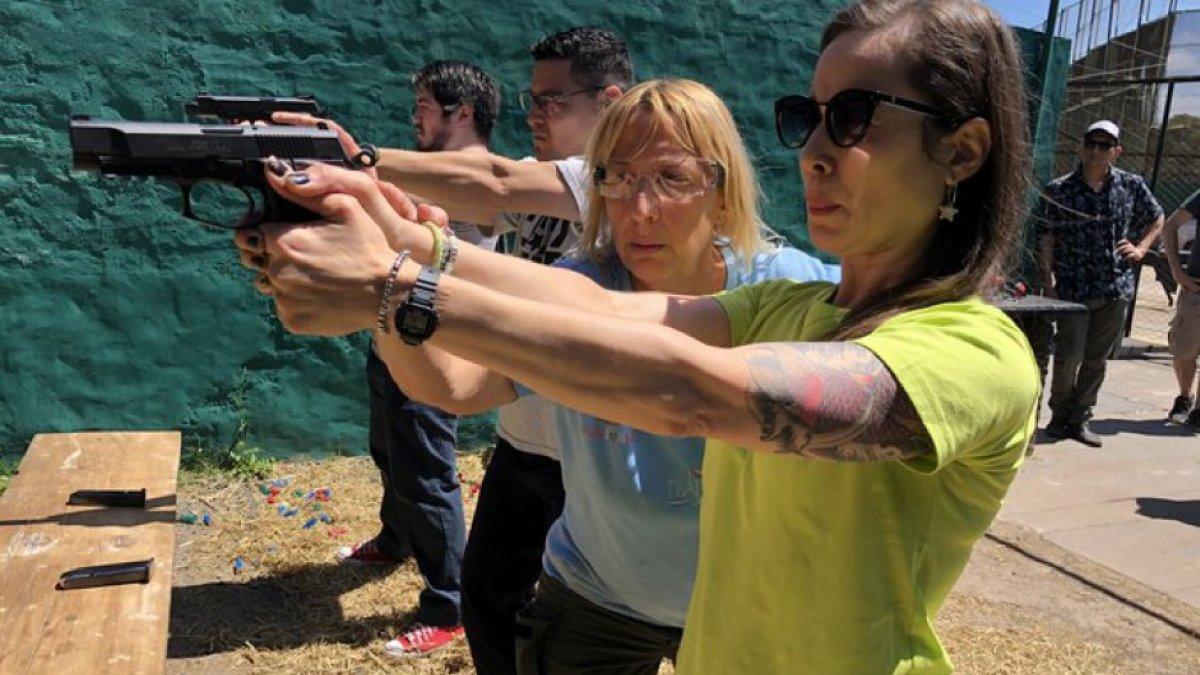 Un partido busca afiliados con clases de tiro