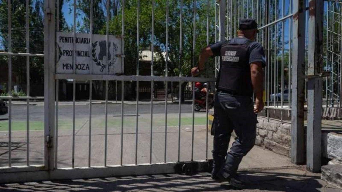 Mendoza: soltaron a un peligroso asesino por un error administrativo