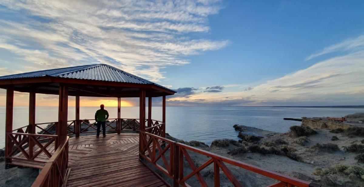 El nuevo mirador de Puerto Pirámides ofrece una de las mejores vistas de la provincia