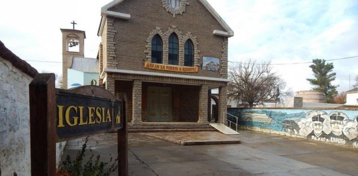 Iglesia de Chos Malal en la que detuvieron aCoñuel.