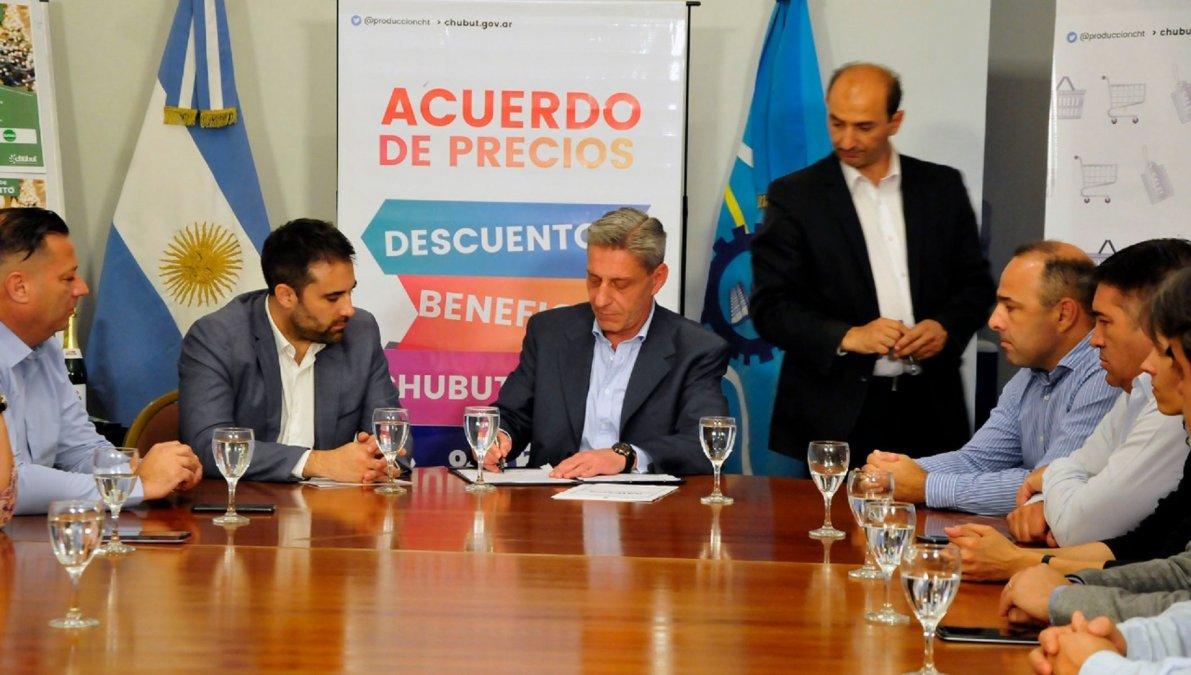 Provincia firmó un nuevo acuerdo con supermercados