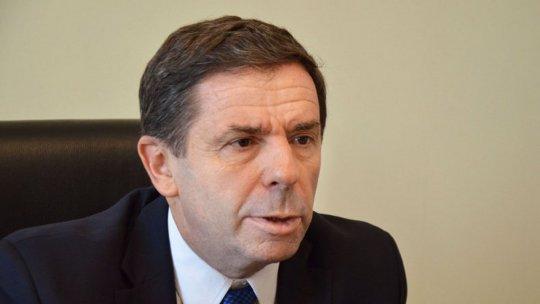 Leal de Ibarra: Es necesario reformar la Agencia Federal de Inteligencia