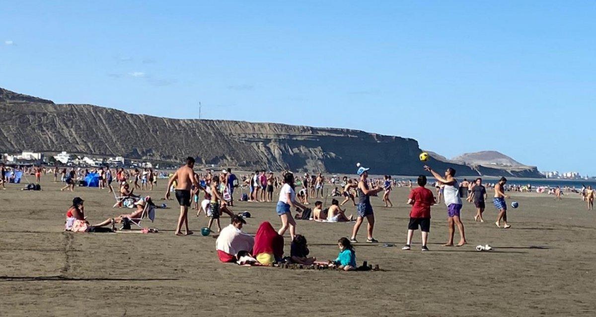 Rada Tilly pondrán multas a quienes se detengan en la playa