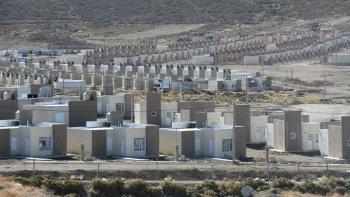 Chubut y la Nación firmaron convenio para construir 900 viviendas
