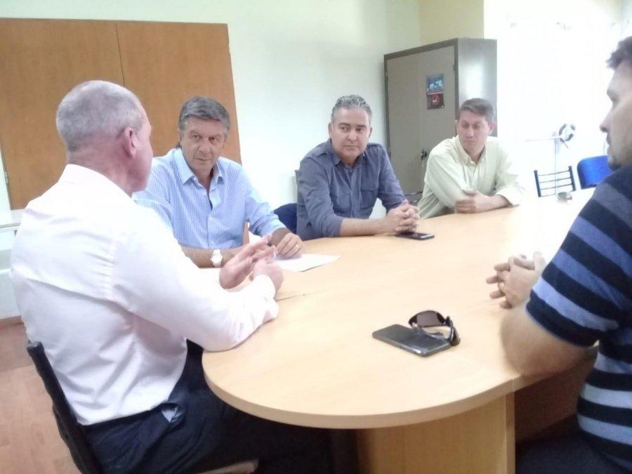 Menna se reunió con los intendentes de Gaiman y 28 de Julio