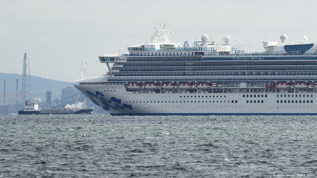 Hay 8 argentinos en el crucero varado por coronavirus en Japón