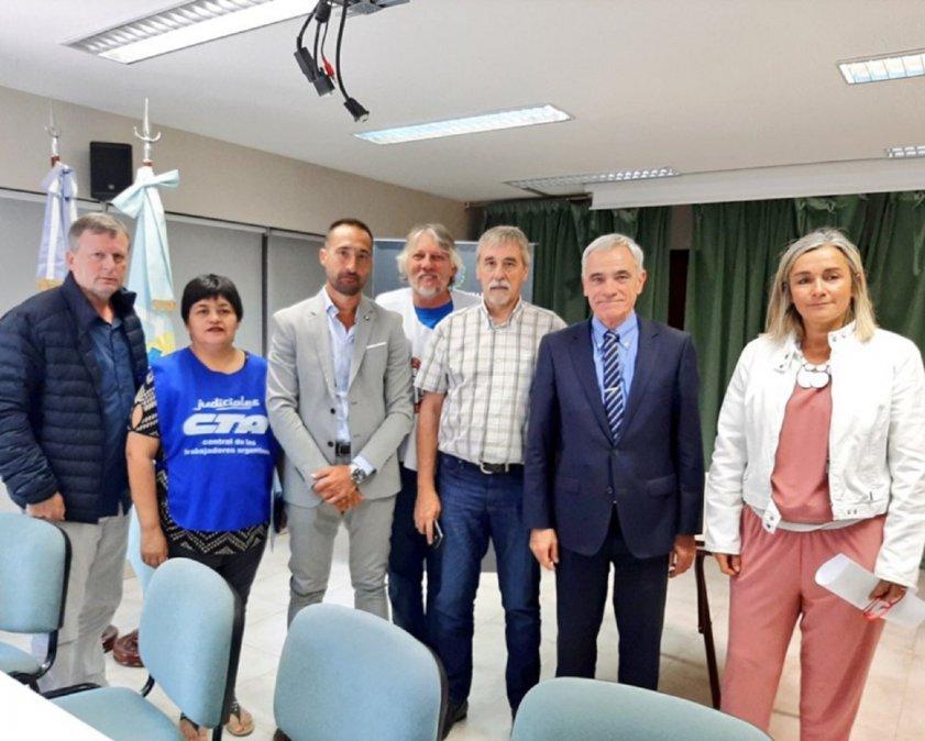 El Poder Judicial se reúne con Arcioni para discutir sobre los reclamos salariales