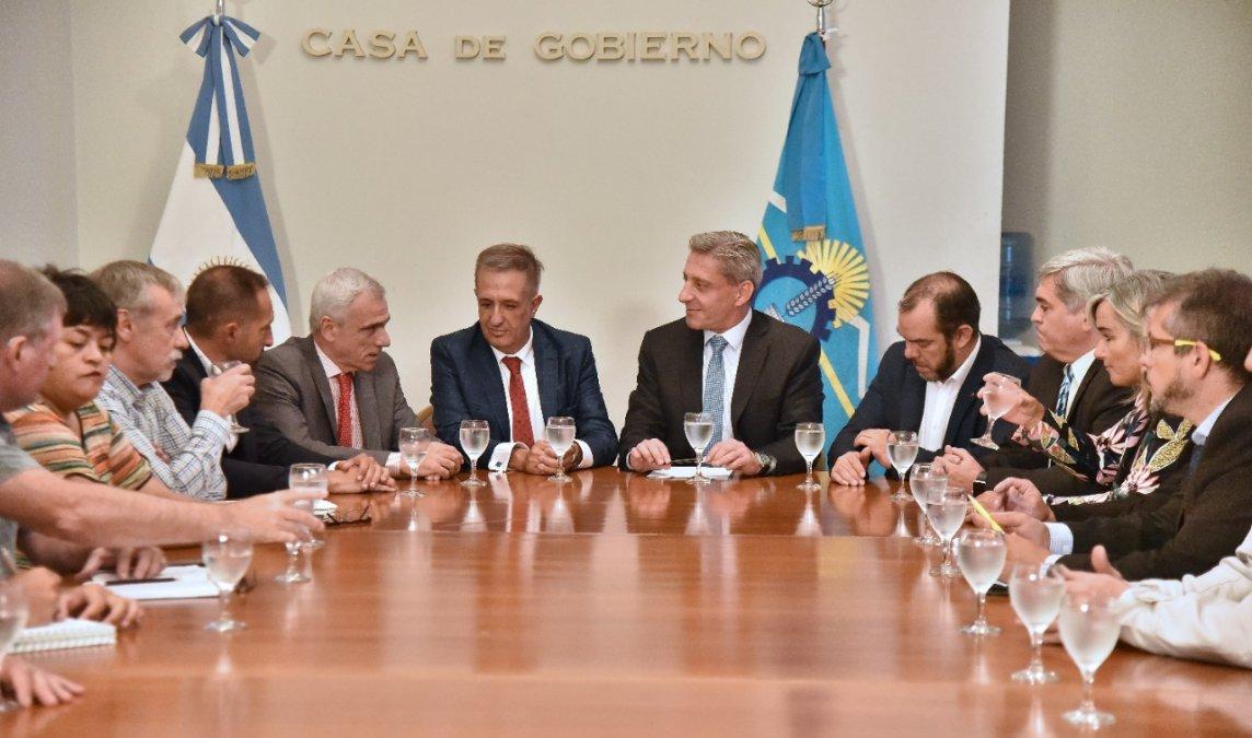 Arcioni se reunió con la cúpula del Poder Judicial de Chubut