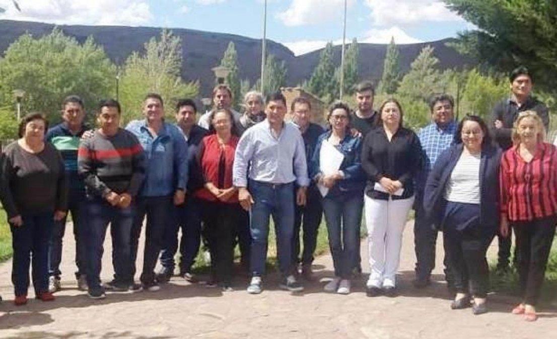 Jefes comunales apoyan a Arcioniy piden que sesione la Legislatura
