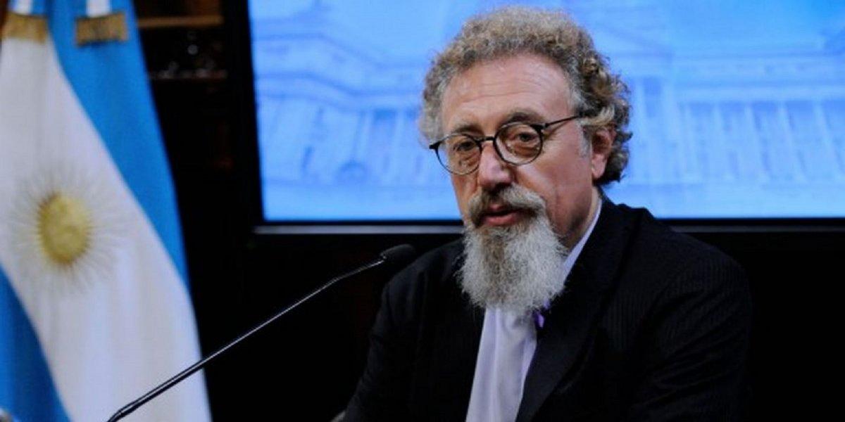 Luenzo le ofreció a Macri debatir sobre la libertad de expresión en el Senado