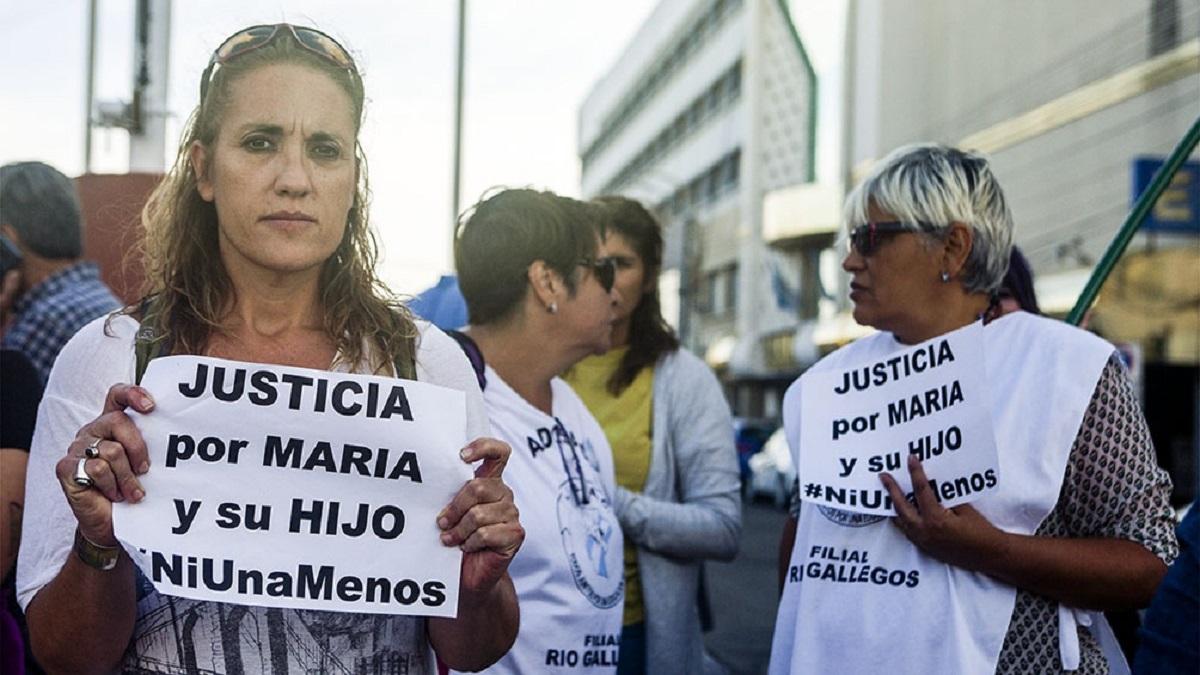 Este lunes los vecinos volvieron a marchar pidiendo justicia por María y Santino.