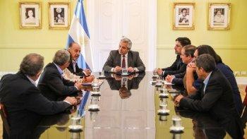 Fernández se reunió con representantes sindicales de la educación