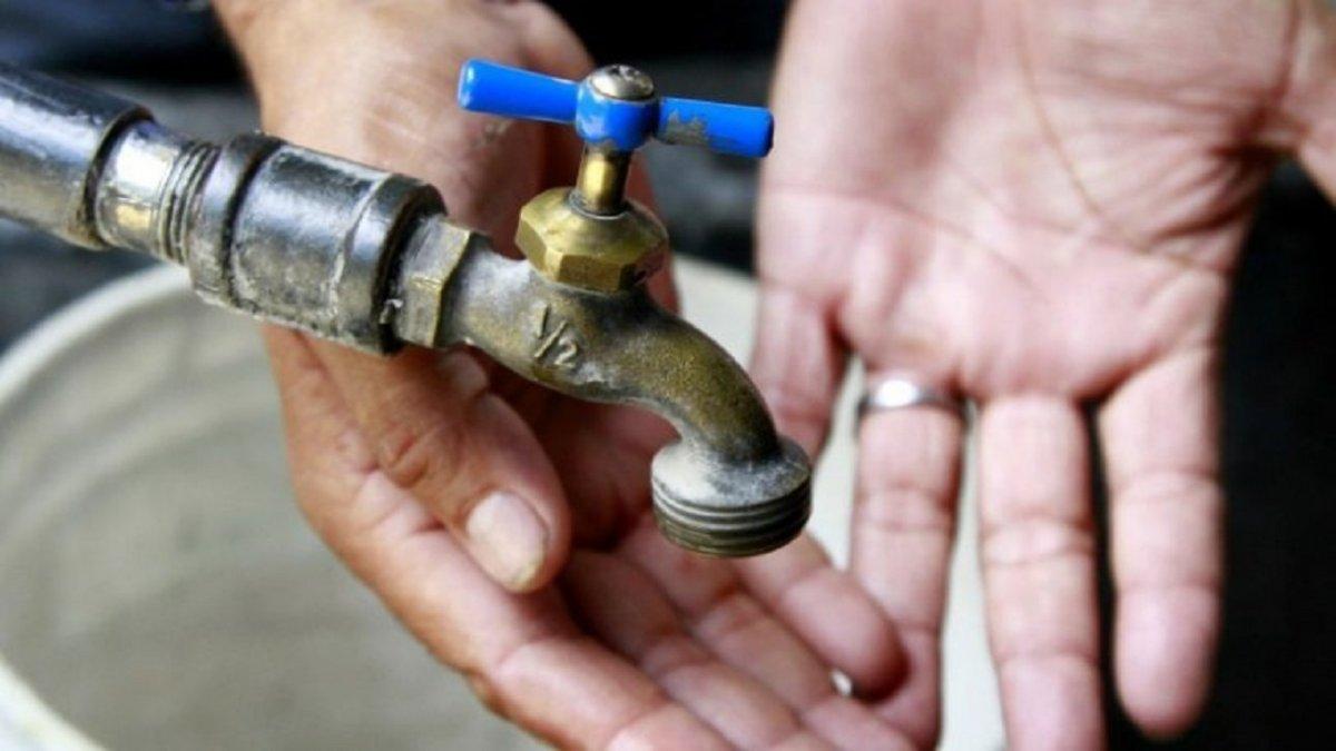 Se detectó una avería en el acueducto Arenal-Ciudadela y se deberá extender el corte de agua potable en 9 barrios de zona norte.