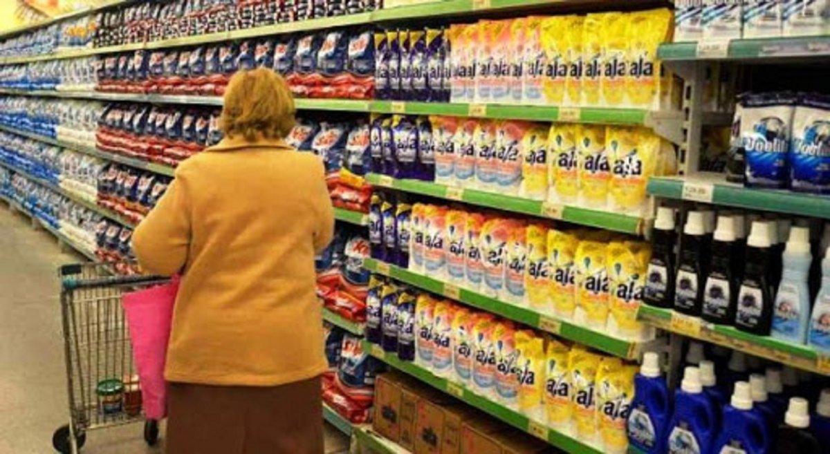Las ventas en supermercados bajaron un 5,7% interanual