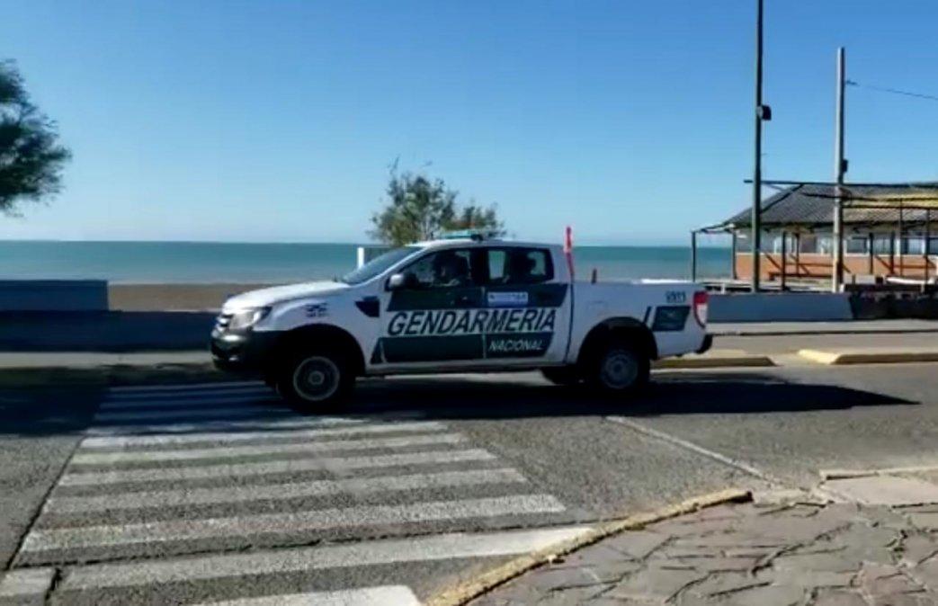 Gendarmería Nacional realiza controles en Playa Unión.