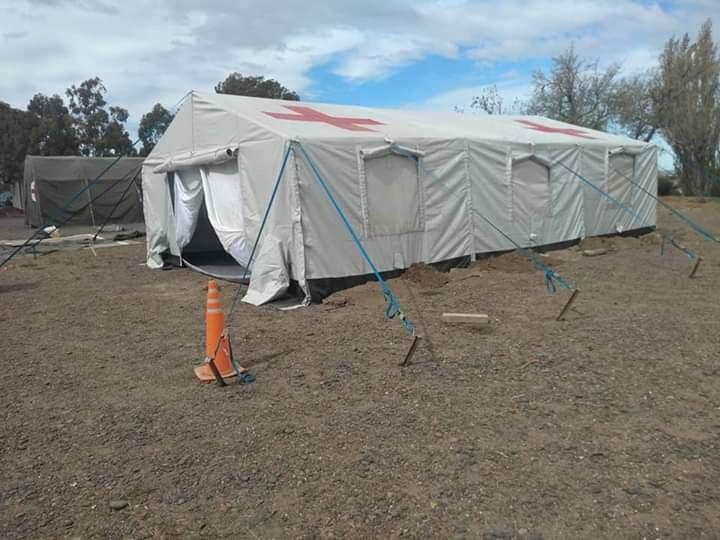 Coronavirus: Instalan carpas en las afueras del Regimiento de Km.8