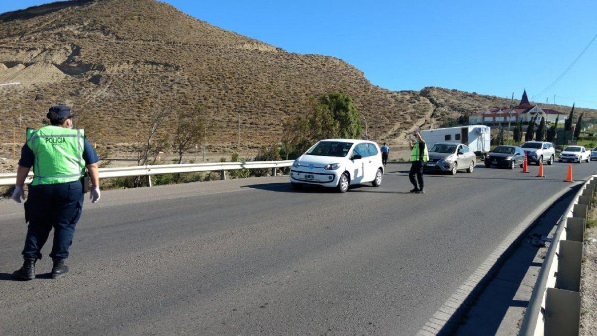 Coronavirus: La Policía del Chubut realiza controles en la Ruta 3