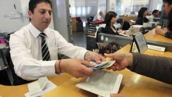 Abren los bancos: para el cobro de Jubilaciones y AUH