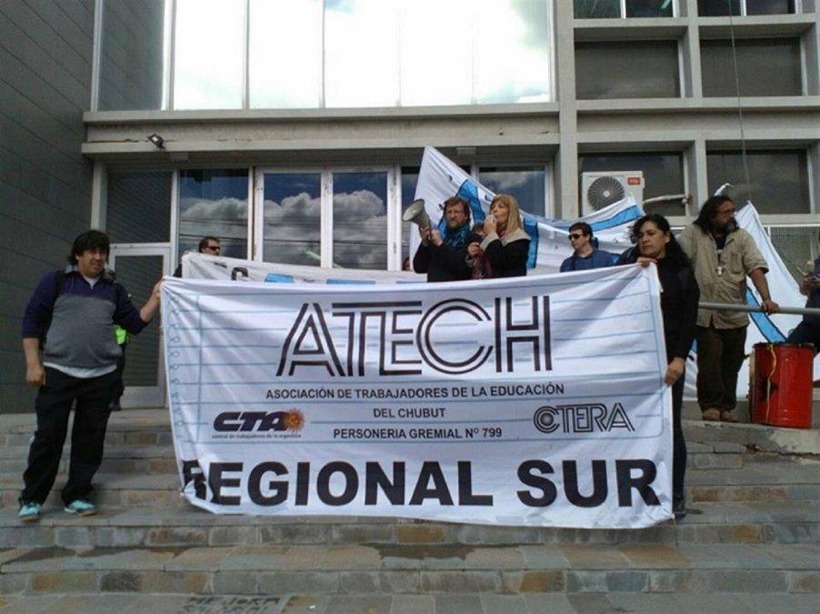 ATECh hizo la presentación de una acción de amparo por el no cobro de los salarios.