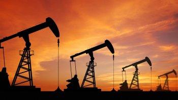 Crisis petrolera: cancelaron los contratos de más de 25 equipos