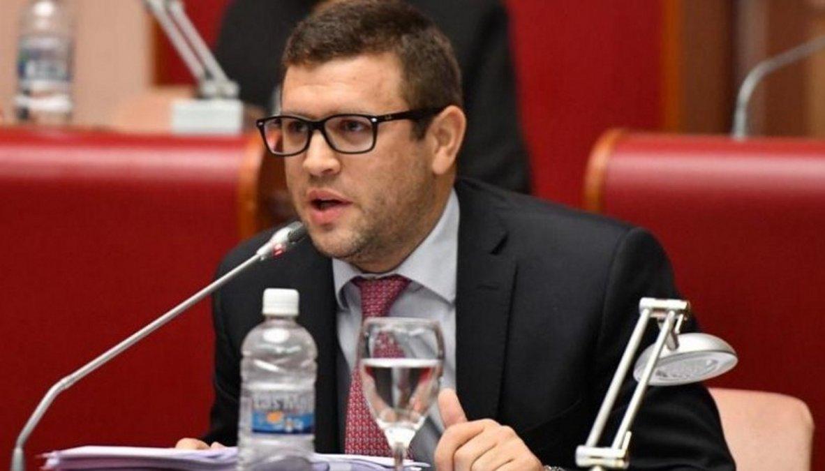 El Diputado Provincial Juan Pais aseguró que hablar de paritarias sería una irresponsabilidad.