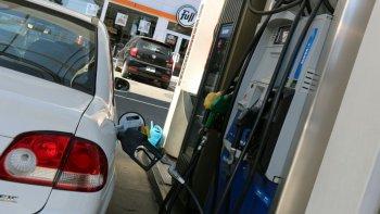 El Gobierno postergó el aumento de la nafta