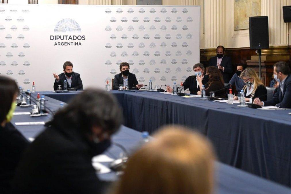 l presidente de la Cámara baja encabezó la reunión de Labor Parlamentaria en el Salón Delia Parodi. (Fotos HCDN)