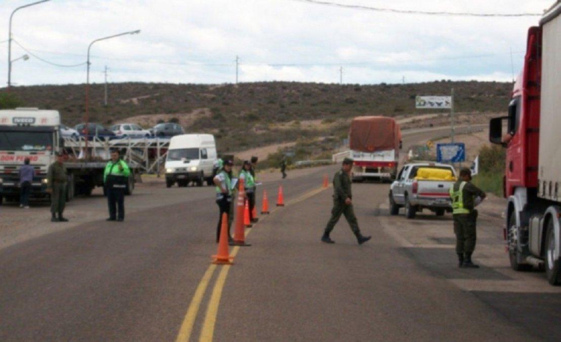 El Jefe de Policía aseguró que burlo los controles escondiéndose en el camión.