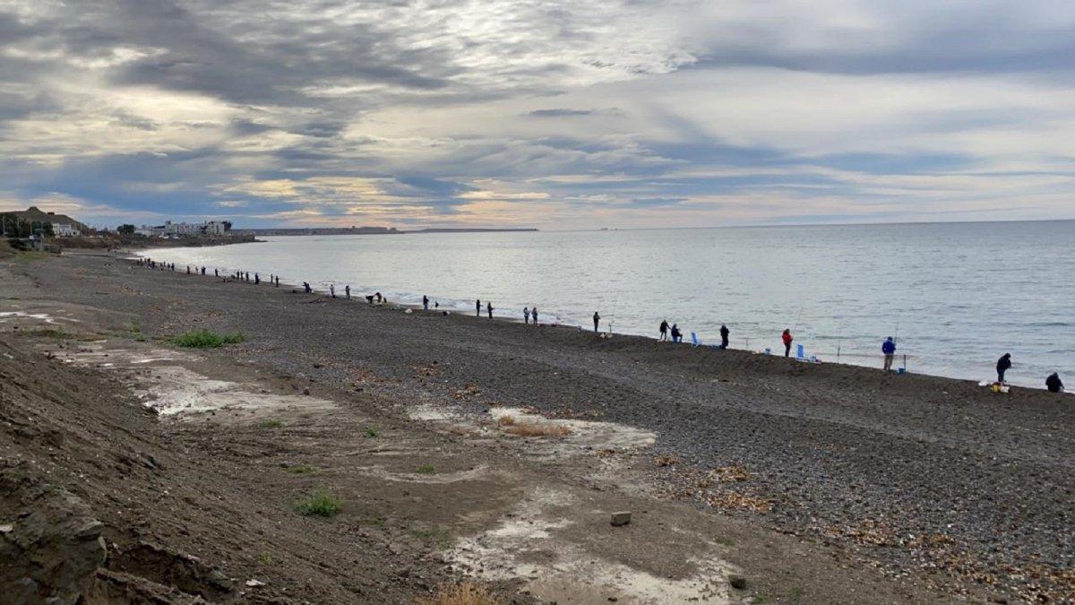 Cuarentena: Gran cantidad de pescadores en la playa de Km. 3