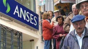 El Gobierno dispuso un aumento para las jubilaciones y dos bonos extraordinarios