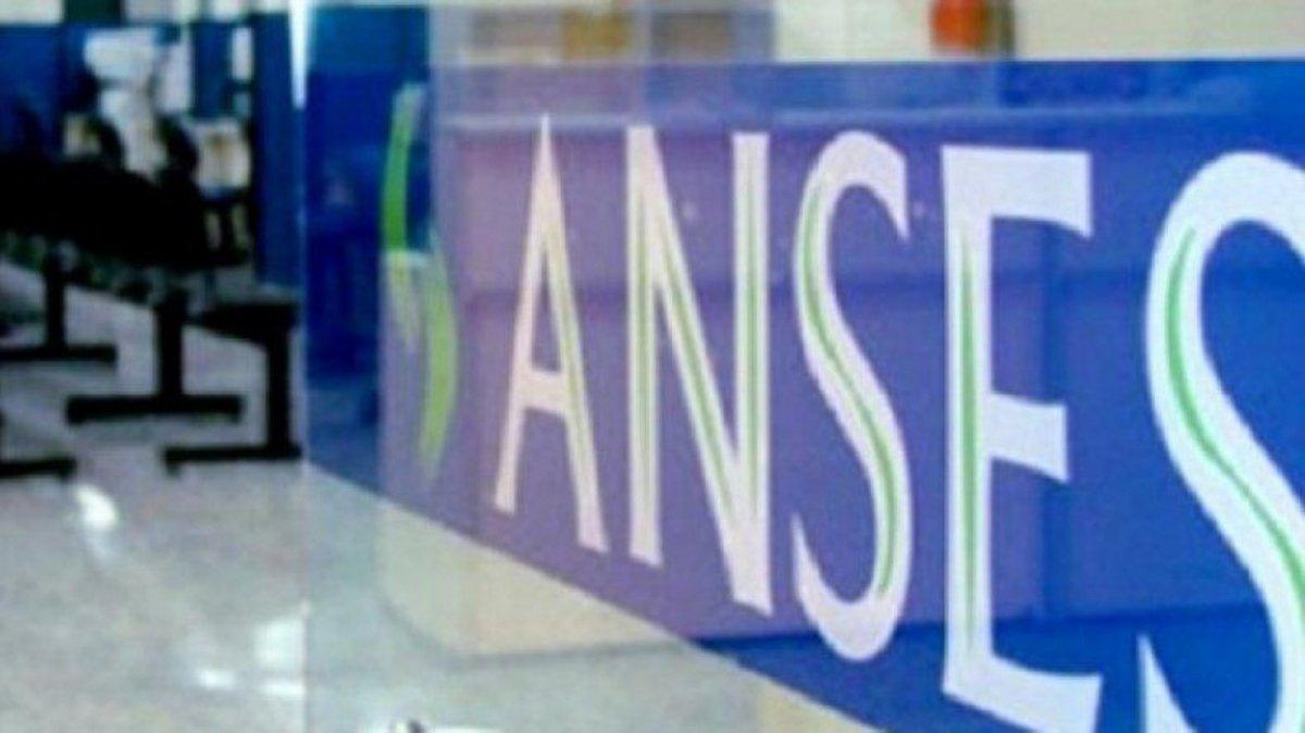 La Oficina de la sede local de ANSES habilitó una línea directa.