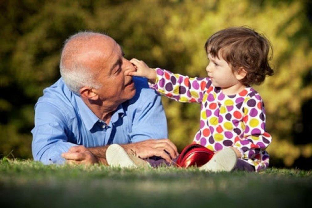 La medida es en virtud a la necesidad de los adultos mayores de reencontrarse con su familia.