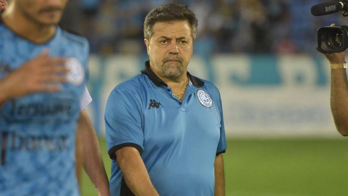 Caruso Lombardi decidió no cobrar su sueldo mientras no haya fútbol