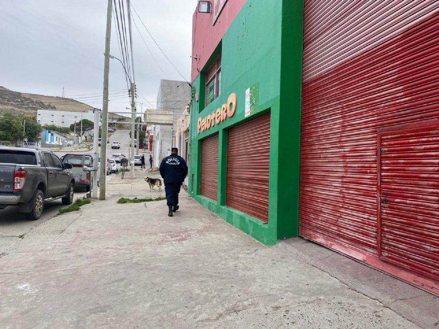 Delincuentes armados intentaron asaltar un depósito de frutas y verduras