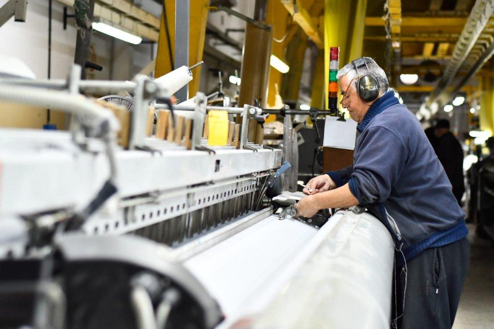 El Gobierno considera que deberían abordarse políticas de oferta y demanda para sostener el tejido productivo y reactivar la inversión.