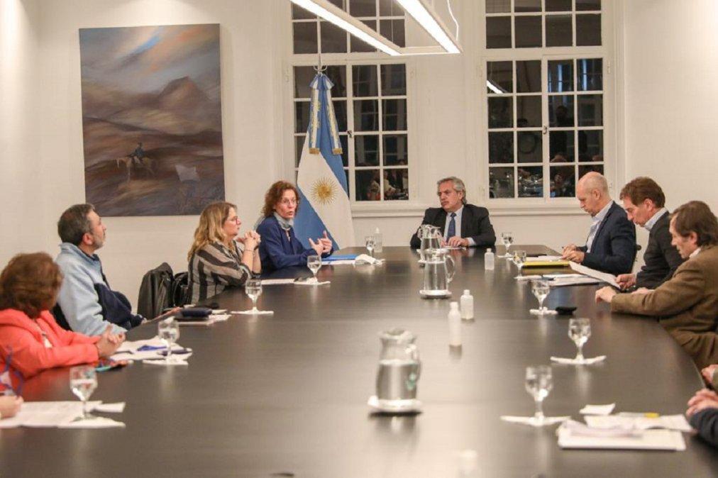 El Presidente recibió al jefe de Gobierno porteño y a referentes de Salud e Infancia