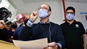 El director del Hospital Zonal de Trelew, Sebastián Restucha, confirmó las renuncias de los jefes de las Áreas Programáticas de Comodoro, Trelew y Puerto Madryn. Foto: Daniel Feldman.